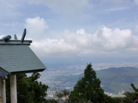 宝満山の登山口 竈門神社にコミュニティバスでアクセスする方法