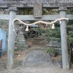 鳥居バス停の鳥居の画像