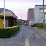JR原田駅横の駐輪場通り抜け通路の画像