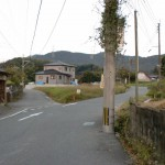 JR原田駅南側の車道の画像