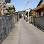 今津バス停から登志神社までの路地の画像