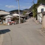 一ノ谷登山口から村上登山口への途中の辻の画像