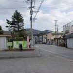 御井町バス停前にある高良大社一の鳥居の画像
