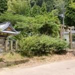 竜峰山の麓にある熊野神社の画像