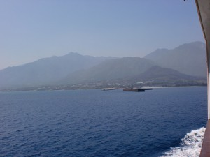 フェリーから見る屋久島の画像