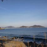 生の松原から見る糸島半島の山々
