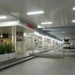 阪急三番街バスターミナルの画像