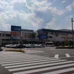JR松本駅と駅前ロータリーの画像