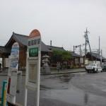 穂高駅と穂高駅バス停の画像