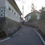 JR小淵沢駅から地下道を抜けて小淵沢インター方面に歩く場合に通る小道の画像
