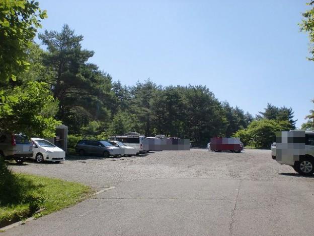 観音平の登山口前の駐車場の画像