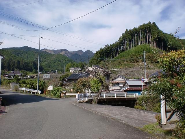 今村バス停(日田バス)から岳滅鬼山方面を望むの画像