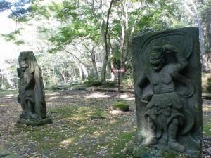 旧千燈寺跡の石造仁王像の画像