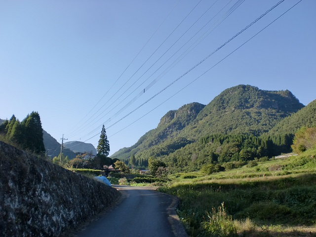 万年山の登山口に豊後森駅からバスでアクセスする方法