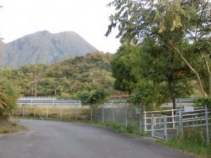 高速由布岳バス停の出口(入口)の画像