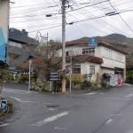 古湯温泉バス停の先の交差点の画像