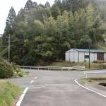 山端集落のT字路(亀岳登山口)の画像
