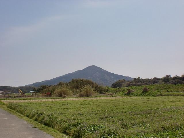 北側から見る可也山(糸島富士)の画像