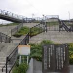 玄界島の港の前にある住宅街に続く階段の画像