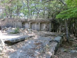 城山砲台の砲座跡(対馬)の画像