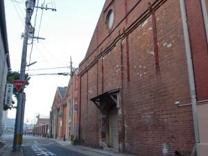 街道松前の赤レンガ倉庫(長崎街道・大里宿)の画像