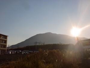 長崎街道から見る戸ノ上山の朝日の画像