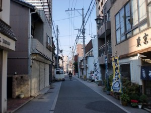 常盤橋から西小倉駅方面に延びる長崎街道の画像