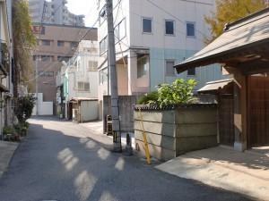 西小倉駅前の妙浄寺前の長崎街道の画像