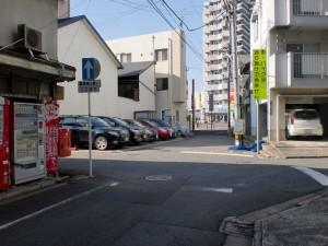 西小倉駅前の妙浄寺前の長崎街道の先のT字路を右折した先の交差点の画像