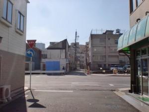 西小倉駅近くの長崎街道に国道199号線が横切る地点の画像