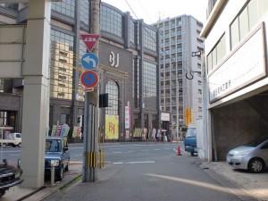 小倉城下の長崎街道から国道3号線に突き当たる個所(清水三丁目)の画像