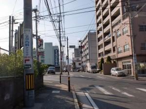長崎街道小倉城下の茶屋川橋手前のセブンイレブン前交差点の画像