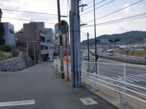 石櫃側手前で長崎街道が県道296号線に合流するところの画像