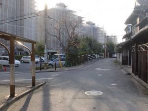 長崎街道・三条にある清水の水場の先の分岐の画像