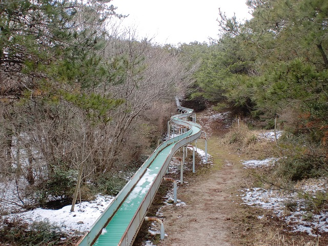 作礼山の滑り台の画像
