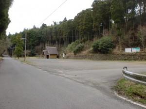 椿山溜池北側駐車場(トイレ有)※県道306号線沿いの画像