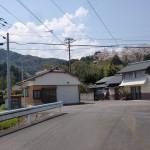 JR本牟田部駅の歩道橋のある側の出口から30mほどにある4差路の画像