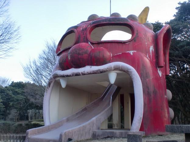 鬼ノ鼻山山頂の鬼の滑り台の画像