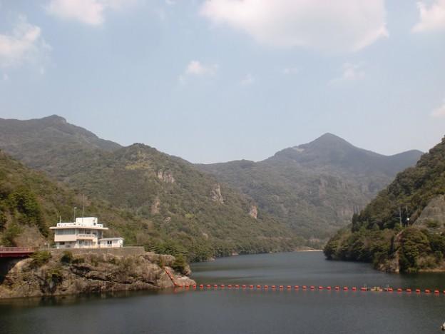 竜門ダムから望む青螺山の画像