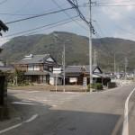 武雄温泉駅から円応寺へ向かう途中の柏岳生活環境保全林の標識があるT字路の画像