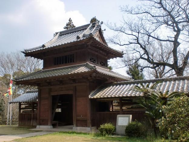 円応寺山門(境内側から撮影)の画像