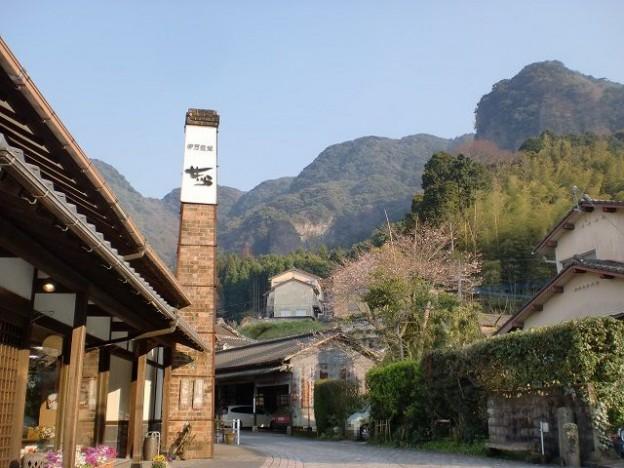 大川内鍋島窯跡から望む黒髪山系の画像