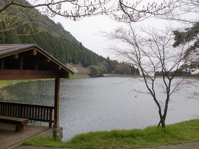 国見山の登山口 国見湖畔公園にアクセスする方法