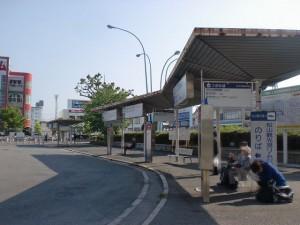 松山駅前バス停1番のりば~4番のりばの画像