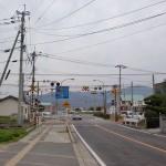 浜玉中前交差点そばのJRの踏切の画像