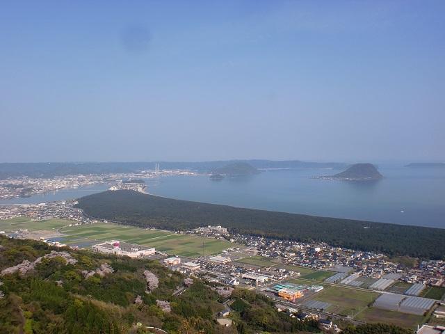 鏡山山頂のひれふり展望台(東展望台)から見る虹の松原の画像
