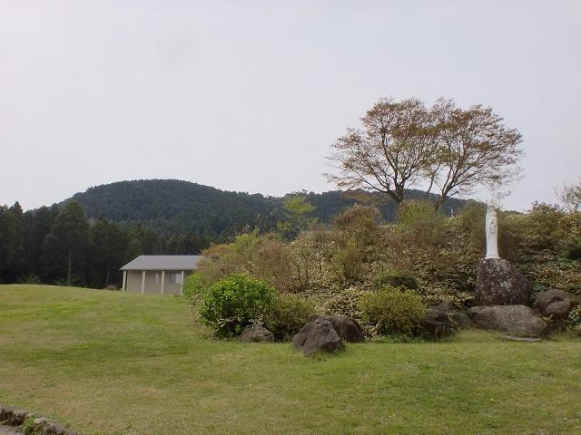 トラピスト修道院から見る腰岳の画像