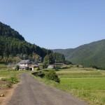 木場公民館から人形石山の登山口に至る農道の画像