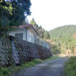 人形石山登山道入口手前の浄水施設の付近の画像