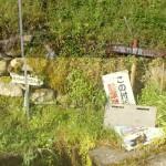 柞野登山口の登山道を示す道標の画像